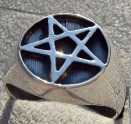 Breiter Pentagramm Ring