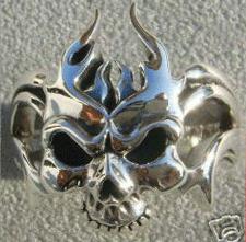 Totenkopf SKULL Ring Flammen