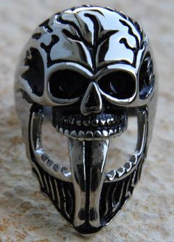 Totenkopf mit Zunge